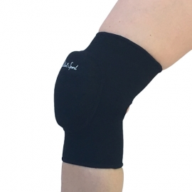 Black knee pads with elastic pad