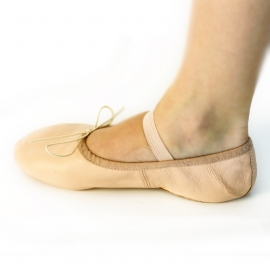 Ballet pink shoes for dancing